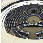 Megszavazta az EP a shortolás új uniós szabályait