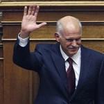 Papandreu túlélte a bizalmi szavazást