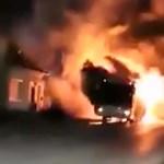Egy autós vágott a lángoló a busz elé, kellett is a figyelmeztetés