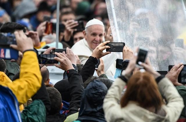 rev.19.06.01.02. Nagyítás - Ferenc pápa látogatása Erdélyben