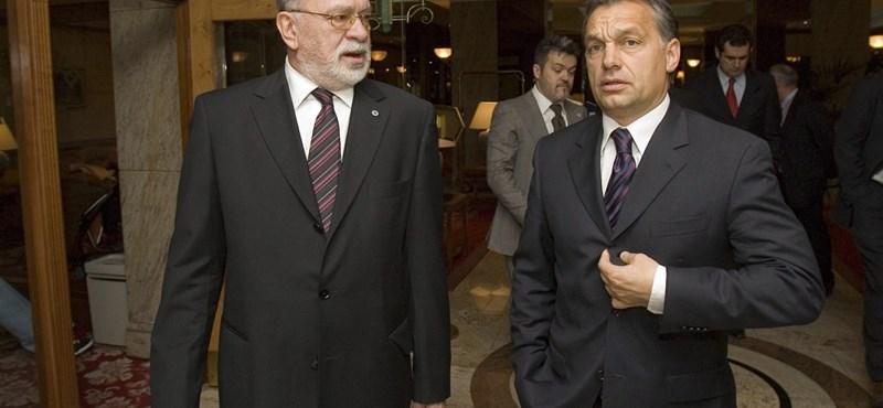 Lehúzta a rolót az Orbán-rokon korábban Habony által vezetett cége