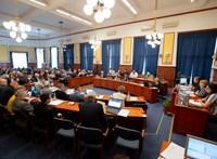 Nem szavazták meg a költségvetés, áprilistól nem kap állami pénzt a XV. kerület
