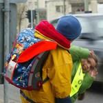 Amíg ön dolgozik, egy idegen sofőr viszi el a gyerekét az iskolából