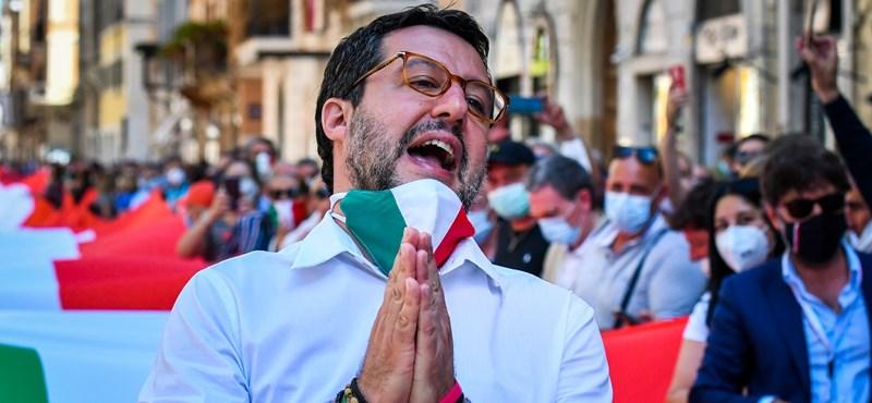 Egy ghánai nő megtépte Salvinit