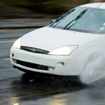 Egész nap szakad az eső, mutatjuk mire vigyázzanak az autósok - videó