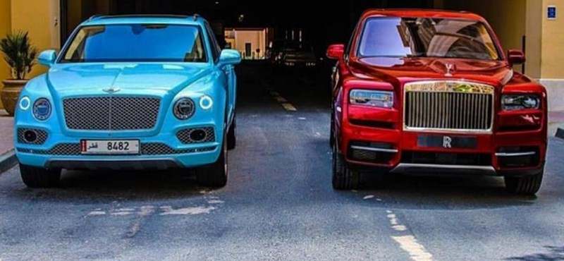 Egymás mellé állt a világ két legdrágább SUV-ja – melyik a szebb?