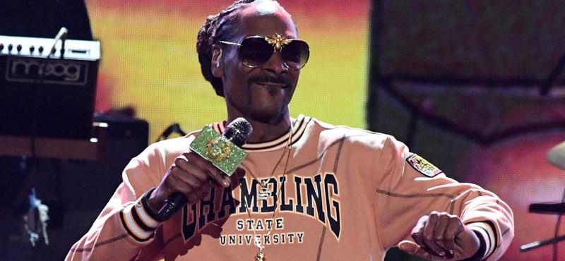 Snoop Dogg befüvezett a Fehér Ház előtt, aztán elküldte Trumpot a francba - videó
