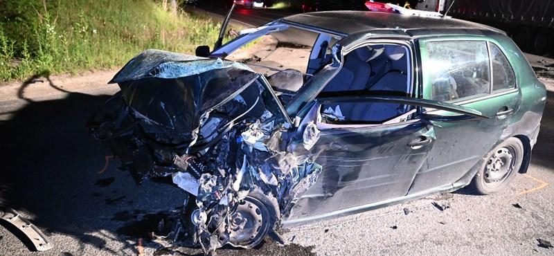 Kamionnal ütközött egy autó Vácon, egy ember meghalt