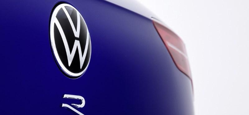 320 lóerős sportkombiként támad az új VW Golf R