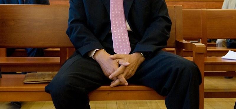 Facsemeték miatt emeltek vádat Szilvásy György ellen