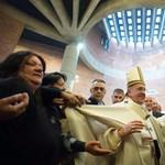 Ferenc pápa börtönben és az ügyész halála – a hét képei