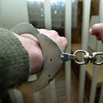 Börtön fenyegeti a ruhakereskedőket, ha nyerészkednének a király halálán
