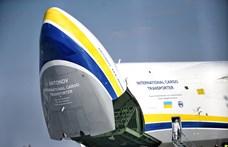 Budapestre érkezett a gigantikus Antonovval egy csomó kínai szájmaszk
