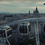 Úgy még senki nem látta Budapestet, ahogy ez az esernyős ember