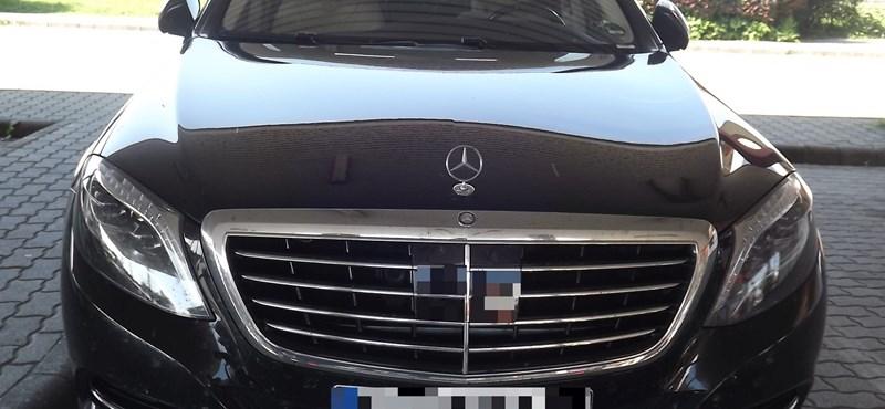 Harmincmillió forintos luxus Mercedes-t foglaltak le Nagylaknál