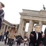 Videó: Orbán-Putyin eljegyzés a meghekkelt köztévés Híradóban