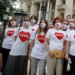 Civilek: ez a törvény csak arra volt jó, hogy összehozzon bennünket