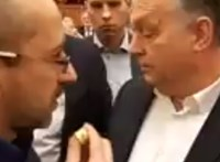 """""""Orbán áll ott, mint egy faszent"""""""