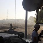 Toborozzák a rendőröket Tripoliban