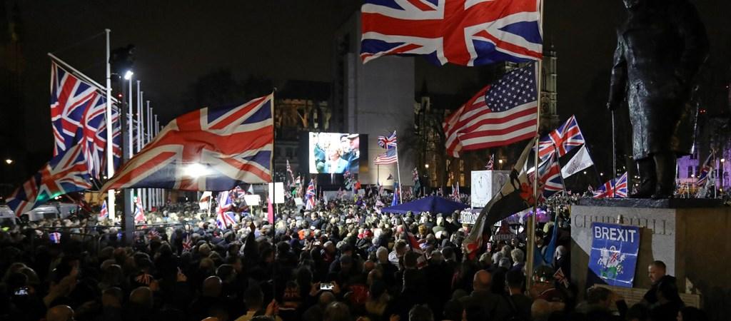 Gazdaság: Bevégeztetett: Nagy-Britannia nem tagja többé az Európai Uniónak  | hvg.hu