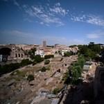 Csodás fényeket kap az új évre Róma leghíresebb dombja