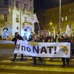 A PDSZ az új NAT és szakképzési rendszer ellen tüntetett