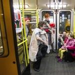 Fotók: bábszínházat csináltak a földalattiból