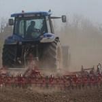Ömlik a pénz a magyar gazdákhoz