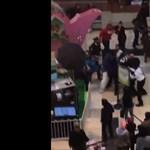 Videó: Megverték a húsvéti nyuszit egy plázában