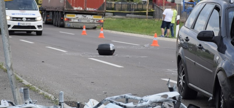 Meghalt egy motoros Szolnok külterületén