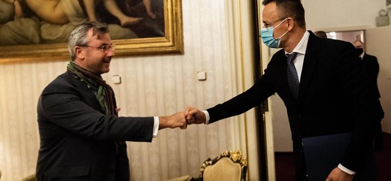 Szijjártó újabb szélsőjobboldali európai politikussal találkozott