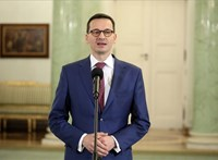 Nem sikerült megbuktatni a lengyel kormányt