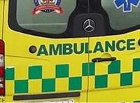 Mentőautó és kocsi ütközött Nyíregyházán, egy nő meghalt