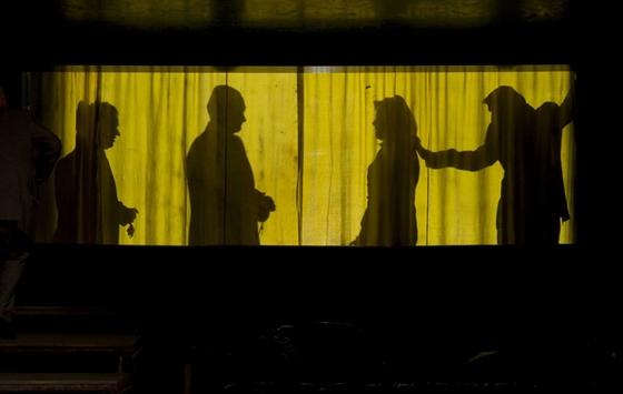 színházi