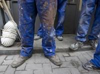 Népszava: Önkormányzati irodába költöztettek be vendégmunkásokat Erzsébetvárosban