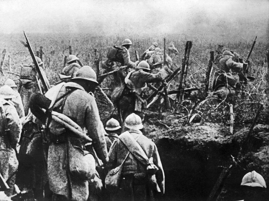 afp.1916. - Francia katonák a támadás alatt. - 1916. február 21. - Verduni csata - yyyyy