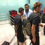 Így csekkolnak be Messiék a reptéren - fotó