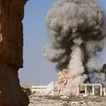 A szír hadsereg szorongatja az Iszlám Államot, folytatja előrenyomulását