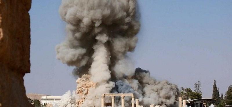 Az Iszlám Állam fotón büszkélkedik a templomrobbantással