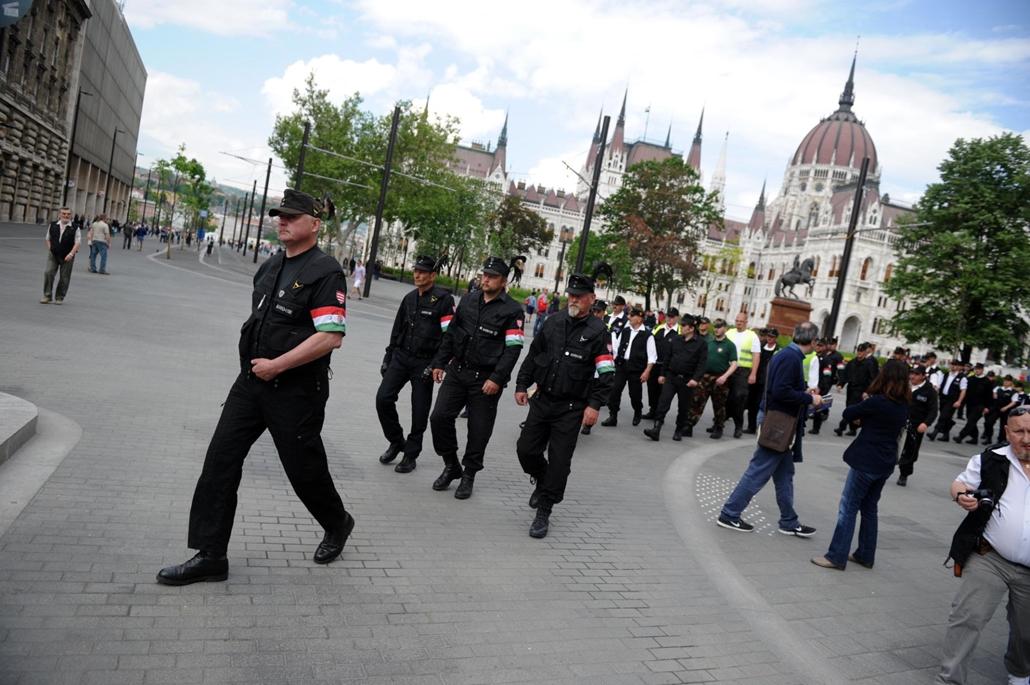 tg. 2014. május 1. Új Magyar Gárda