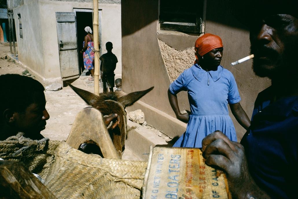 NE használd_! - Budapest Fotó Fesztivál nagyítás - Alex Webb / Magnum Photos: Bombardopolis - Haiti, 1986