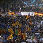 Óriástüntetés Barcelonában Spanyolországért