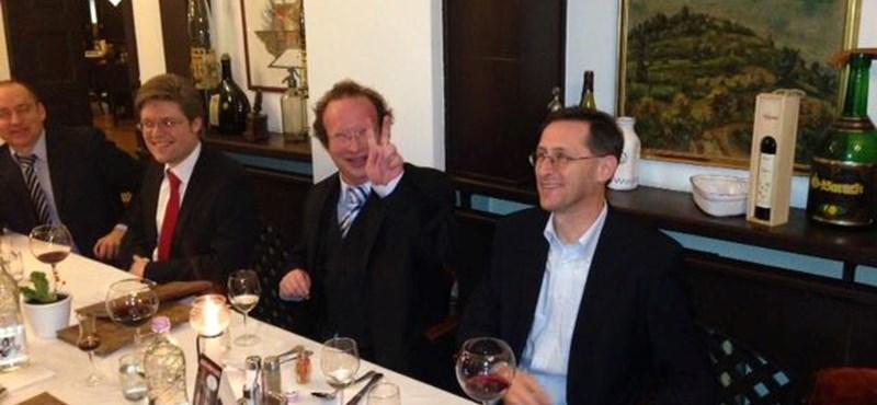 Varga cigányzenészeket rendelt az IMF-küldöttségnek