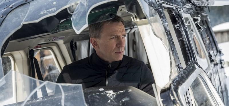 Egyszerű, de pazar az új James Bond film