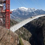Ki mer átmenni az új svájci völgyhídon? – fotók