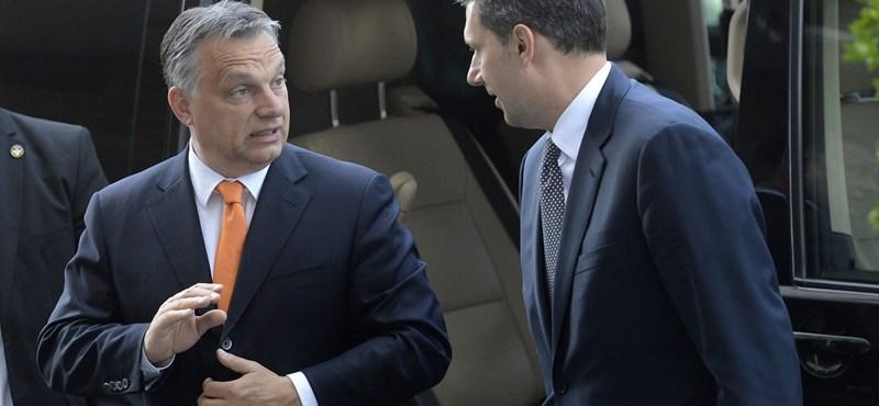 Lázár az arcát mentené, de Orbántól kíméletlen gyomrost kapott