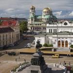 Bulgária júniusig beléphet az euró előszobájába