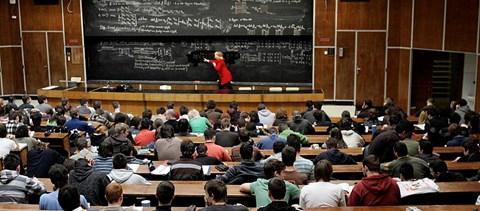A tanárok foglalkoztatása és bérezése - hazai és nemzetközi kitekintés