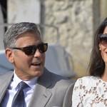 Az Obama család a Clooney családdal találkozik, ezért egy egész olasz kisvárost lezárnak