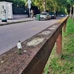 Letörték a Tienanmen téri vérengzés makettjeit a budapesti kínai nagykövetségnél